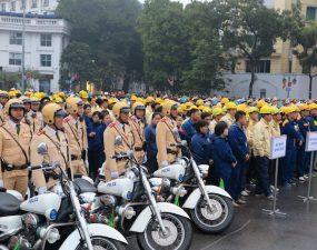 Ra quân thực hiện năm An toàn giao thông 2015